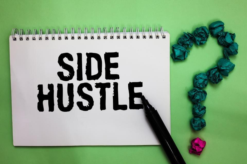 实战教你如何让朋友和家人知道你的想法,然后再教你如何扩大你的社交网络来发展你的事业。(Marketing Your Side Hustle)